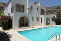2 Bedroom Villa  For Rent Ref. CL-8641 - Oroklini, Larnaca
