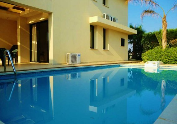 3 Bedrooms Villa in Dekeleia Tourist, Larnaca in Dhekelia for Holiday Rental